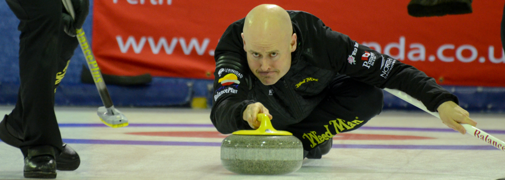 Kevin Koe (Canada) skips his team a place in the semis